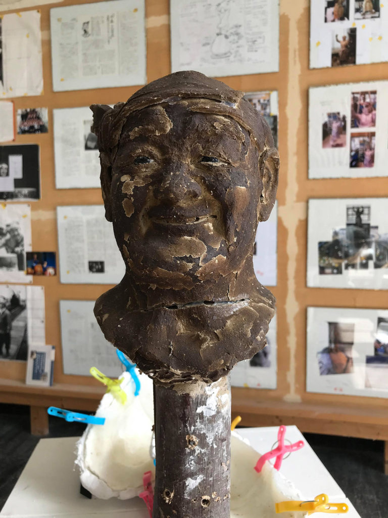ロクさん像粘土原型